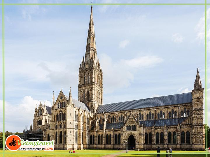Du lịch Anh Quốc - Nhà thờ có kiến trúc đẹp nhất nước Anh.